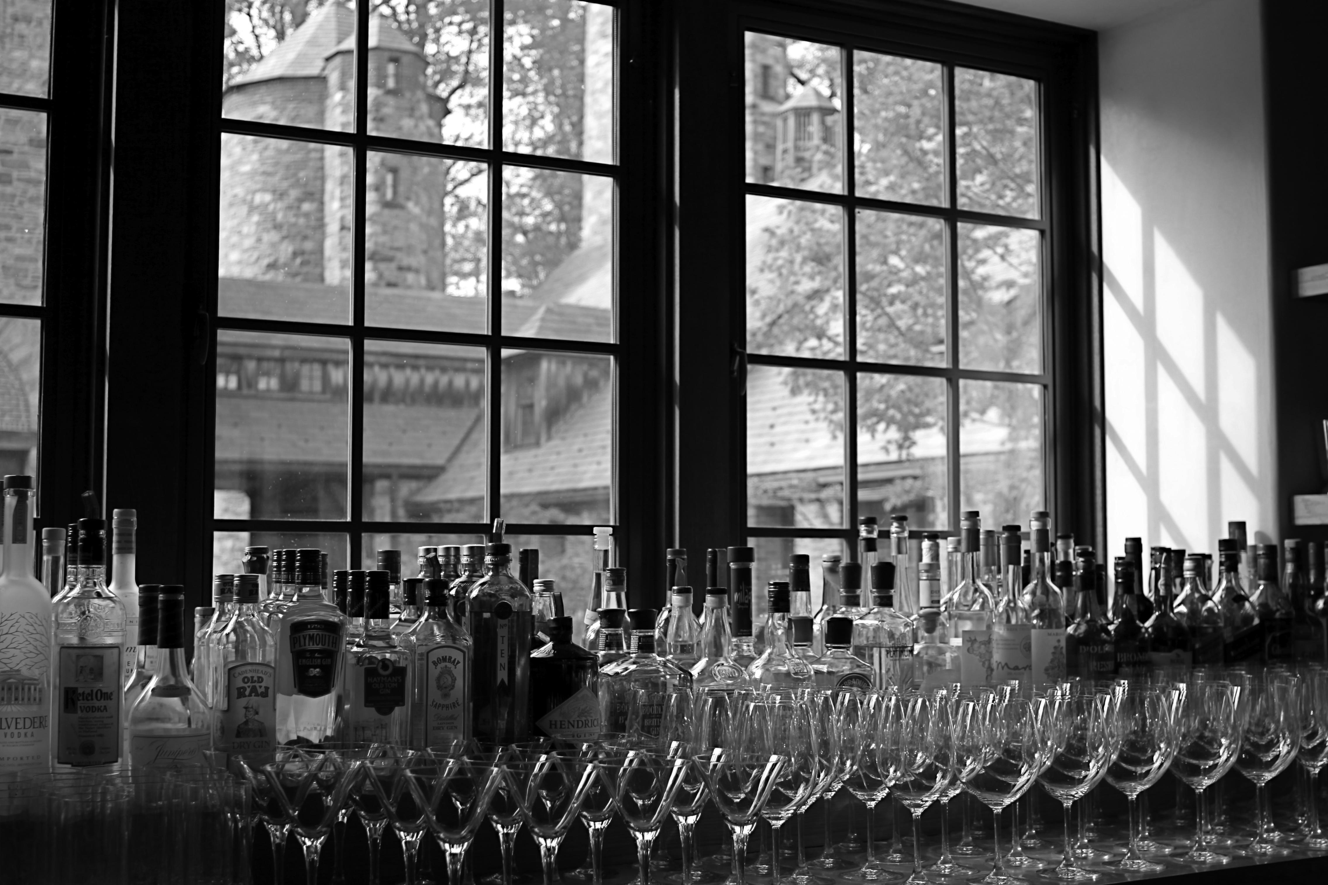 Алкогольная витрина в баре